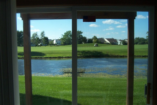Dinette's Pond/Golf View